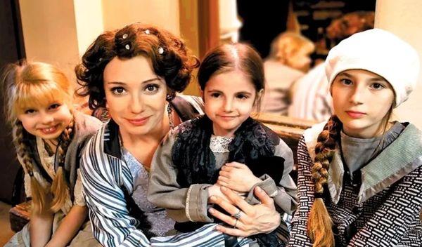 С дочками – Ариной, Асей, Ия