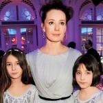 С дочками Ариной и Асей