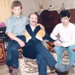 С детьми Виктором и Дмитрием