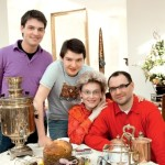 С сыновьями и мужем