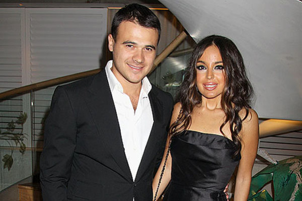 Эмин с первой супругой