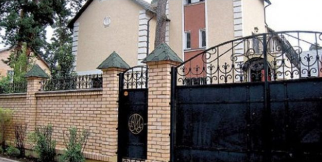 Где проживает Александр Малинин: три дома музыканта