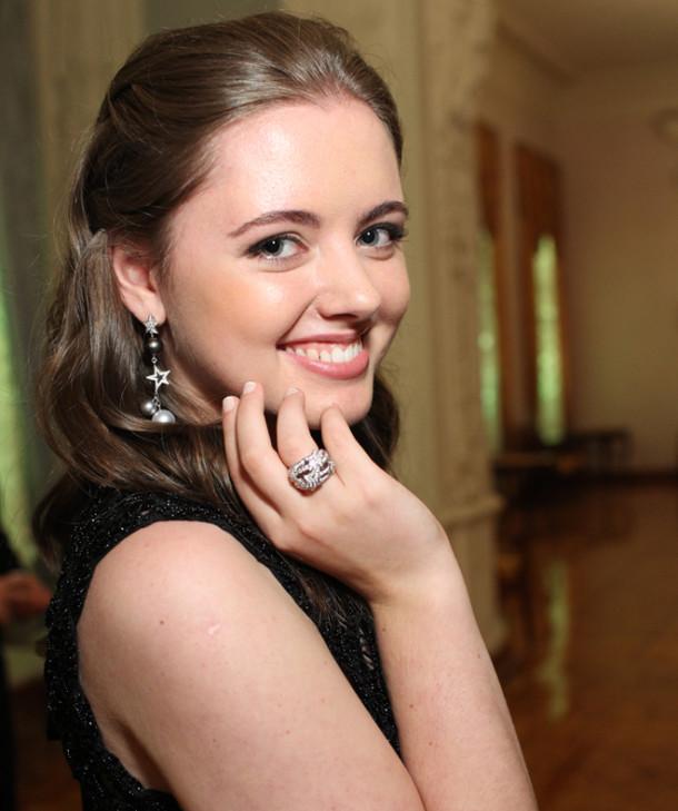 Моника-Ивонн Педерсен - младшая внучка Раймонда Паулса.