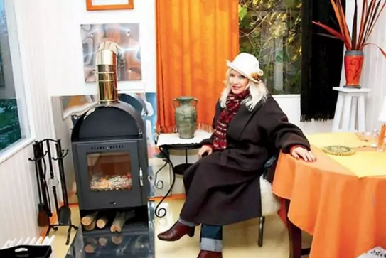 Недвижимость Ирины Мирошниченко: квартира на Тверской и дом в Опалихе