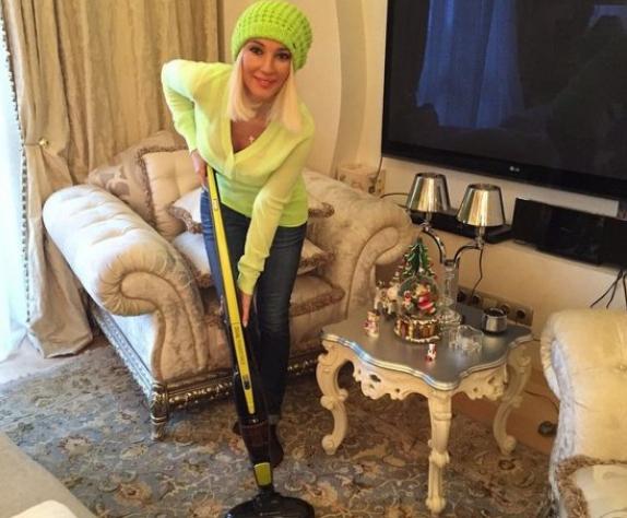 Где живет известная телеведущая Лера Кудрявцева со своей семьей