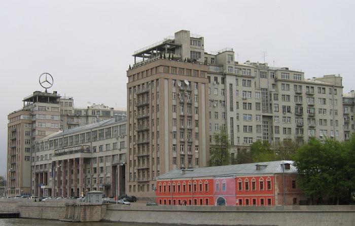 2 квартиры известной певицы Глюкозы в Санкт-Петербурге и Москве