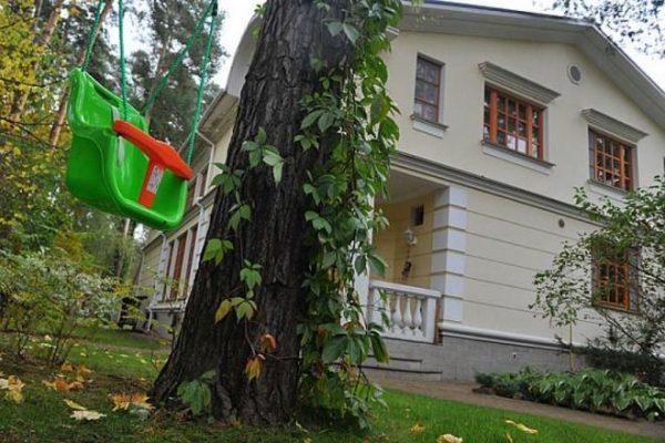 Где живет известная актриса и режиссер Надежда Михалкова
