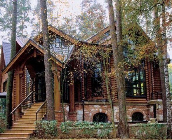 Как выглядит загородный дом Андрея Кончаловского и Юлии Высоцкой