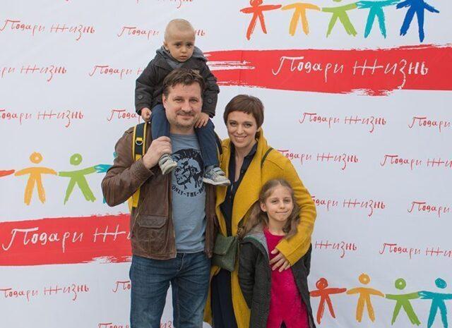 Муж актрисы Нелли Уваровой
