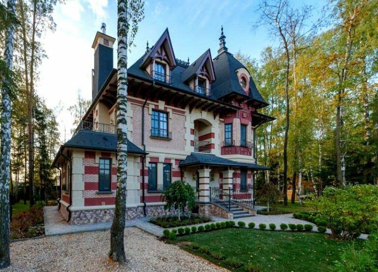 Как выглядит роскошный особняк Павла Прилучного