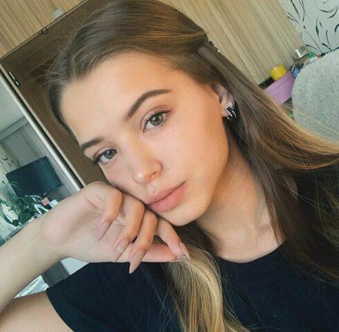С кем встречается блогер Даня Милохин