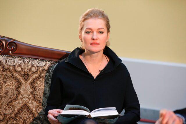 Муж актрисы Виктории Толстогановой