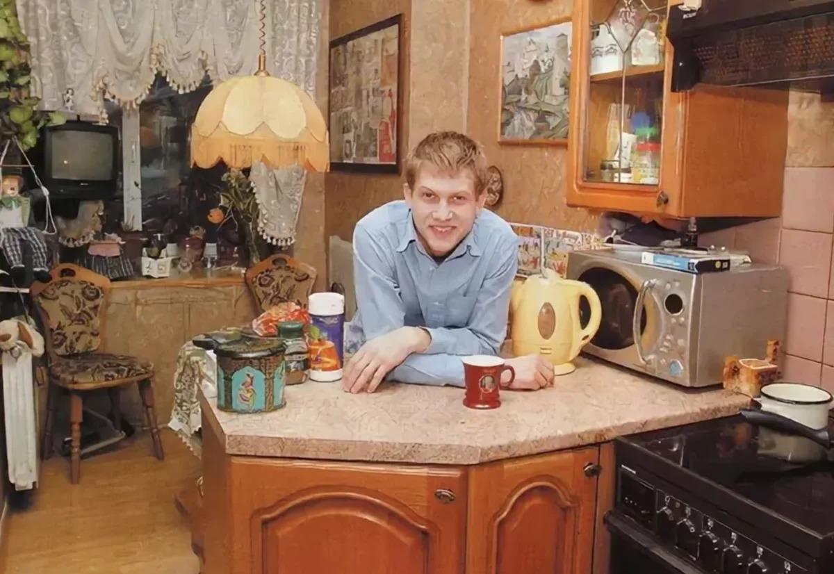 Скромная родительская квартира Бориса Корчевникова в Москве