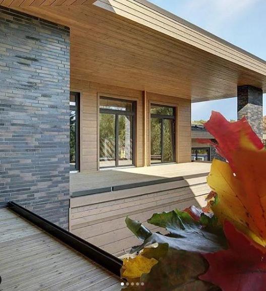 Новый загородный дом Собчак и Богомолова и другая недвижимость звездной пары