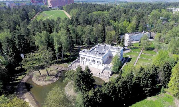 Богатая недвижимость скрытного Ивана Урганта
