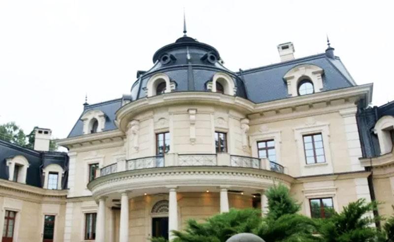 Роскошный особняк миллиардера Михаила Прохорова в Подмосковье