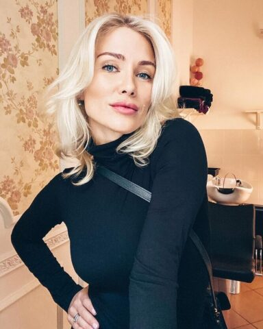 Жена певца Мити Фомина