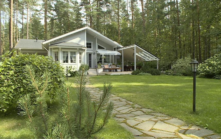 Квартира в классическом стиле и загородный дом Алисы Фрейндлих