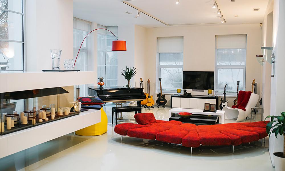 Дом Лаймы Вайкуле в Юрмале в стиле минималистичный модерн
