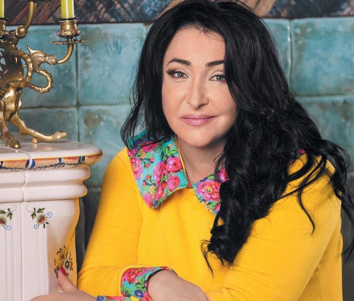 Лолита восхитилась интеллектом Регины Тодоренко