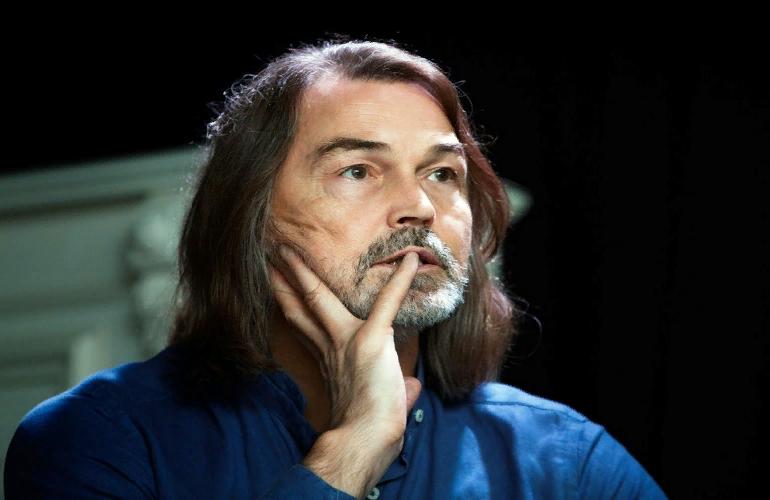 Российский художник Никас Сафронов решил отдать свое имущество государству