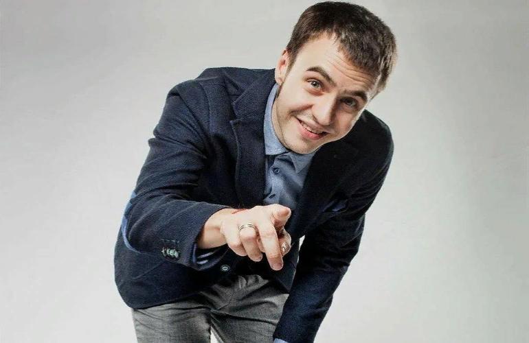 Комик Иван Абрамов рассказал о своих требованиях к супруге, чем вызвал осуждение