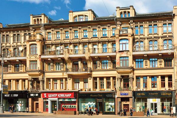 Недвижимость Данилы Козловского: квартиры в Москве и Санкт-Петербурге