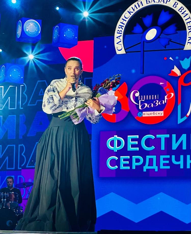 """Стилисты раскритиковали наряды звезд на """"Славянском базаре"""""""